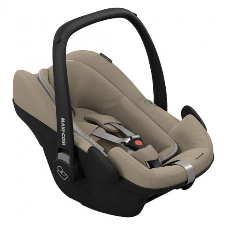 Автокресло Maxi Cosi Pebble Plus Sand
