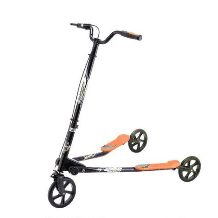 Самокат трехколесный GO Travel Speeder Средний черный с оранжевым