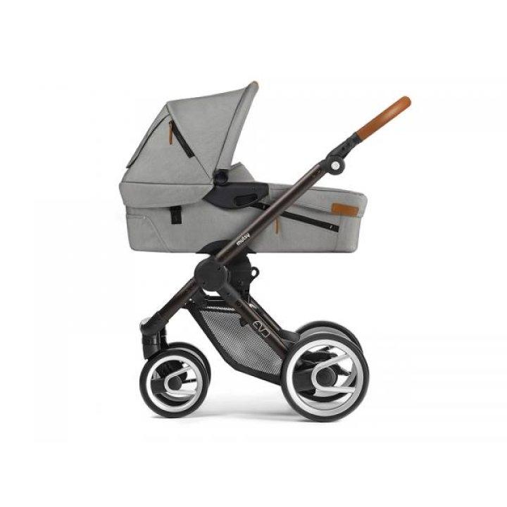 Классическая коляска Mutsy EVO Urban Nomad Light Grey / Industrial Black Brown